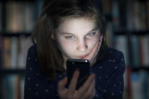 The+%22Eye+Opening%22+Dangers+of+Social+Media